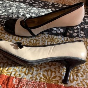 Bandolino Mary Jane pumps size 9